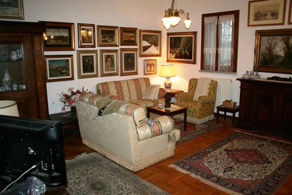 Villa in vendita a Avolasca, 7 locali, zona ebello, prezzo € 300.000 | PortaleAgenzieImmobiliari.it