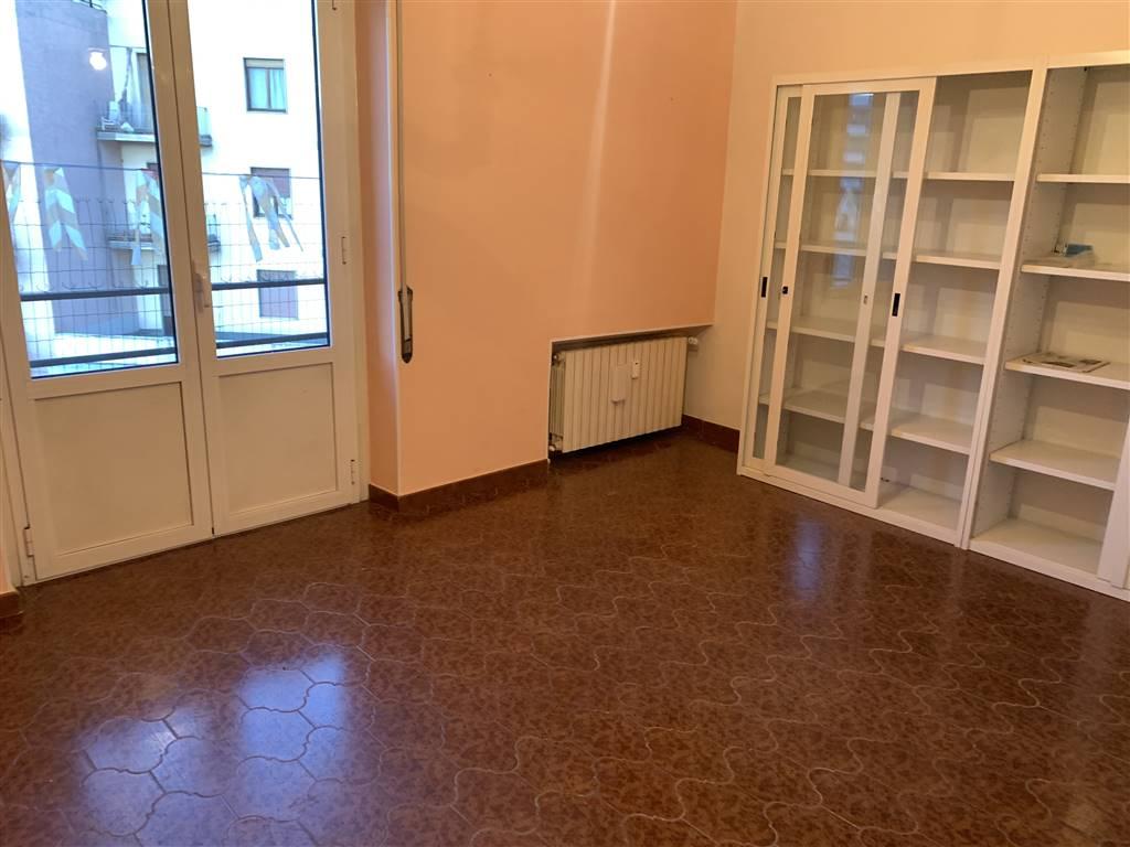 Ufficio / Studio in affitto a Novi Ligure, 2 locali, zona Località: STAZIONE CENTRO URBANO, prezzo € 200 | CambioCasa.it