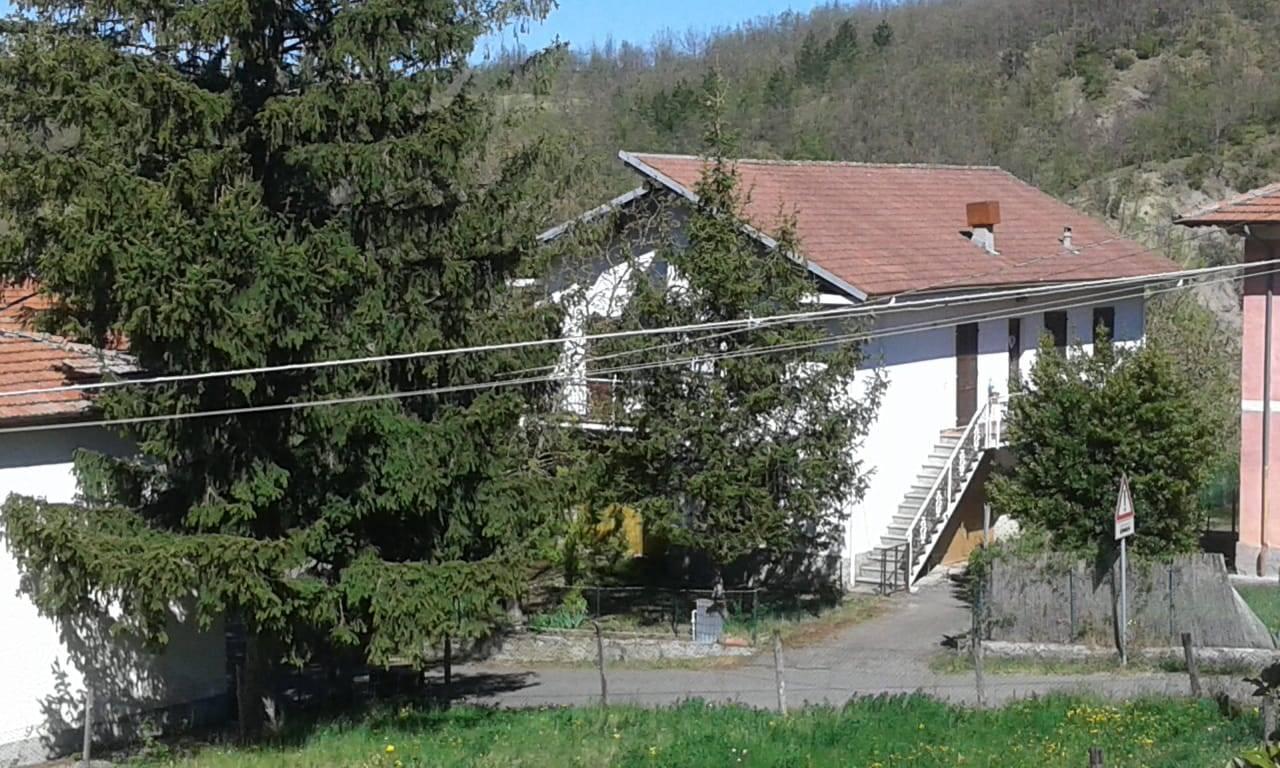 Soluzione Indipendente in vendita a Cantalupo Ligure, 4 locali, zona inate, prezzo € 90.000 | PortaleAgenzieImmobiliari.it
