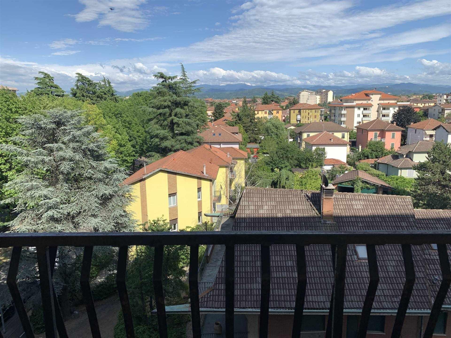 Appartamento in vendita a Novi Ligure, 3 locali, zona Località: VIALI, prezzo € 35.000 | CambioCasa.it