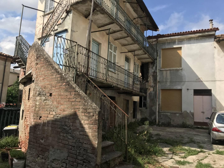 Rustico / Casale in vendita a Carezzano, 6 locali, prezzo € 38.000 | PortaleAgenzieImmobiliari.it