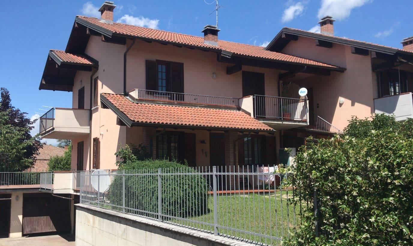 Appartamento in vendita a Volpedo, 4 locali, prezzo € 95.000 | CambioCasa.it