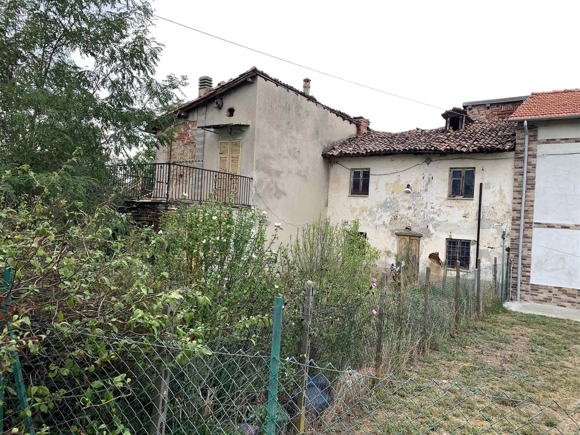 Soluzione Indipendente in vendita a Novi Ligure, 8 locali, zona lla, prezzo € 50.000 | PortaleAgenzieImmobiliari.it