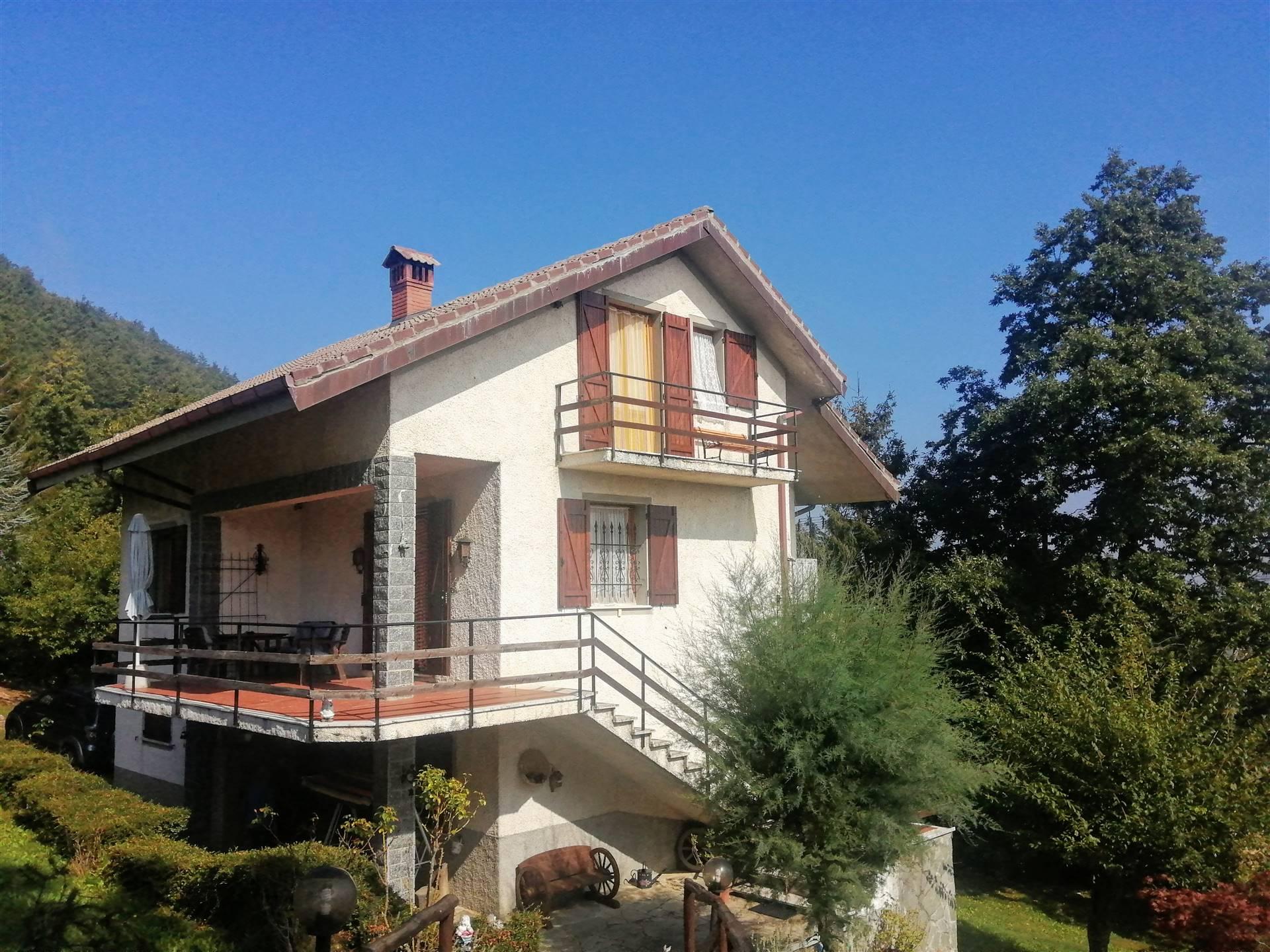 Soluzione Indipendente in vendita a Mongiardino Ligure, 7 locali, prezzo € 130.000 | PortaleAgenzieImmobiliari.it