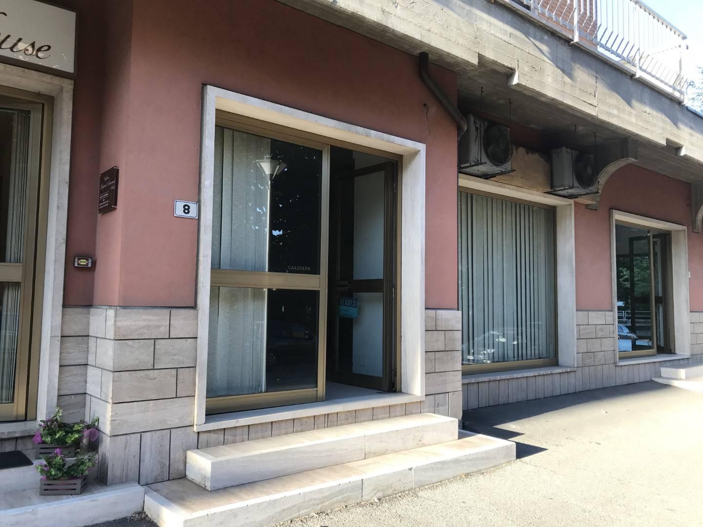 Negozio / Locale in affitto a Tortona, 9999 locali, prezzo € 500 | CambioCasa.it