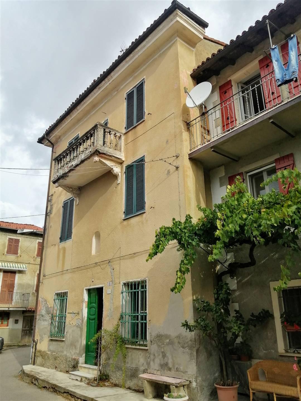 Soluzione Semindipendente in vendita a Gavi, 6 locali, zona ossara, prezzo € 79.000 | PortaleAgenzieImmobiliari.it