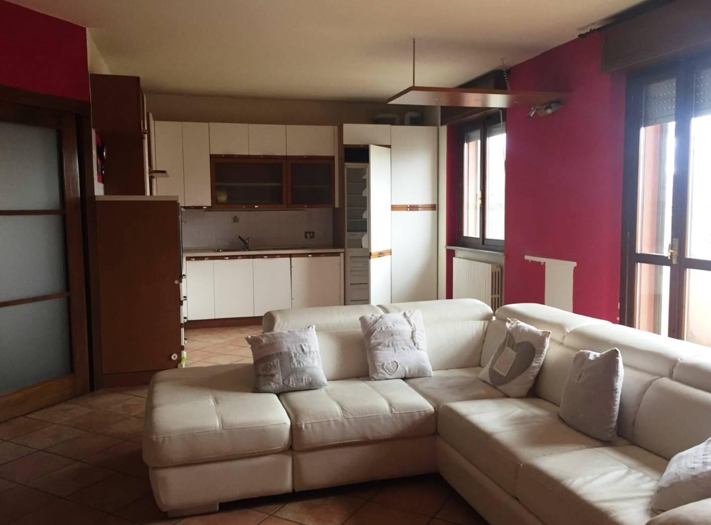Appartamento in vendita a Rivanazzano, 4 locali, prezzo € 125.000   CambioCasa.it