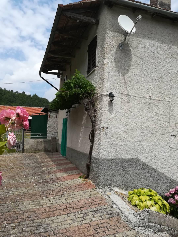 Soluzione Indipendente in vendita a Cabella Ligure, 5 locali, zona Località: ROSANO, prezzo € 35.000 | CambioCasa.it