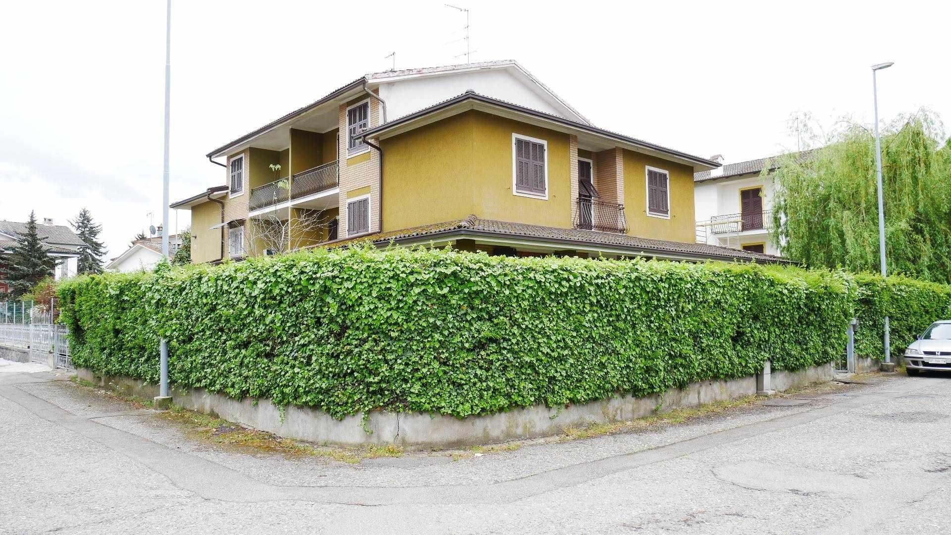 Villa in vendita a Pozzolo Formigaro, 8 locali, prezzo € 259.000 | CambioCasa.it