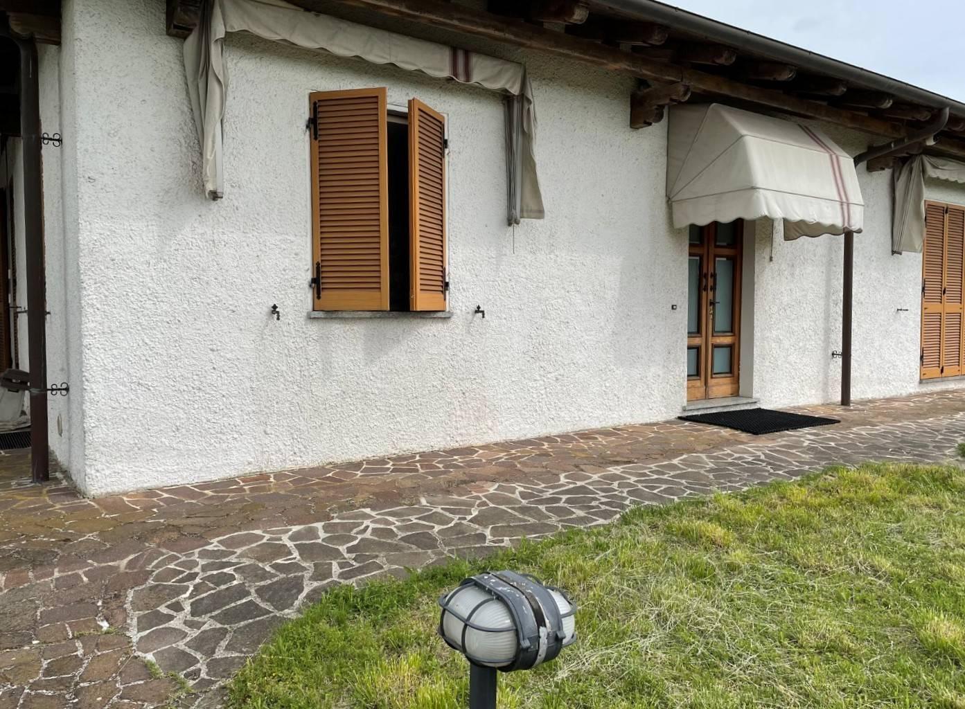 Villa in vendita a Spineto Scrivia, 10 locali, prezzo € 430.000 | CambioCasa.it