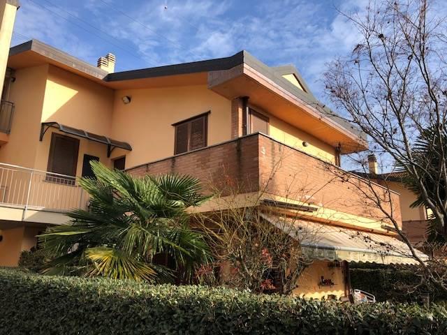 Ottimo appartamento in piccolissima palazzina con poche famiglie in contesto semindipendente di recente costruzione. Tipico appartamento su due