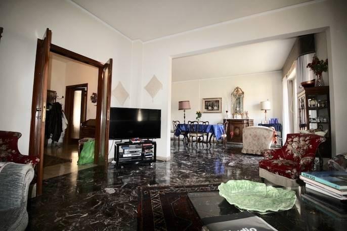 SAVONAROLA, FIRENZE, Appartamento in vendita di 180 Mq, Da ristrutturare, Classe energetica: G, posto al piano 2° su 5, composto da: 8 Vani, Cucina