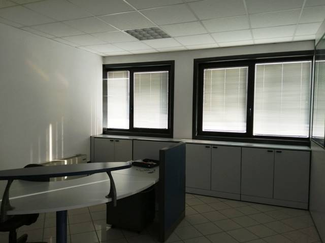 Ufficio / Studio in affitto a Marmirolo, 3 locali, prezzo € 700 | CambioCasa.it