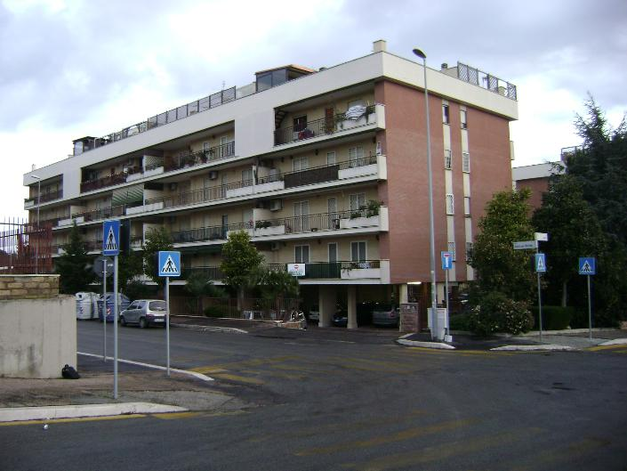 Trilocale in Via Colli Sul Velino, Settecamini, Roma