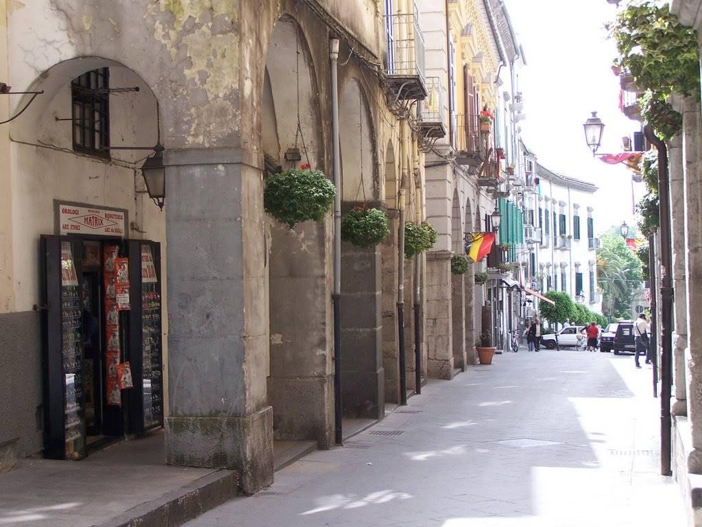 Negozi a cava de 39 tirreni in vendita e affitto for Cerco locale commerciale in affitto a roma