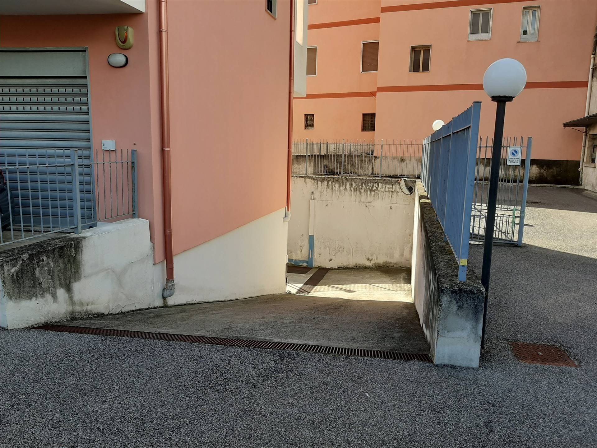 accesso ai garages