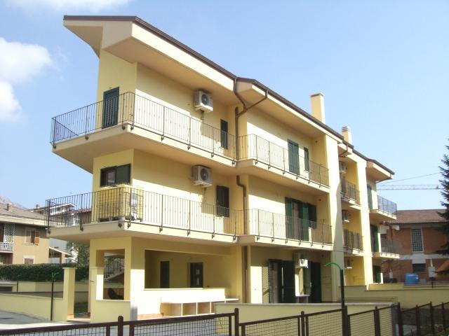 Appartamento in vendita a Cave, 4 locali, prezzo € 135.000 | CambioCasa.it