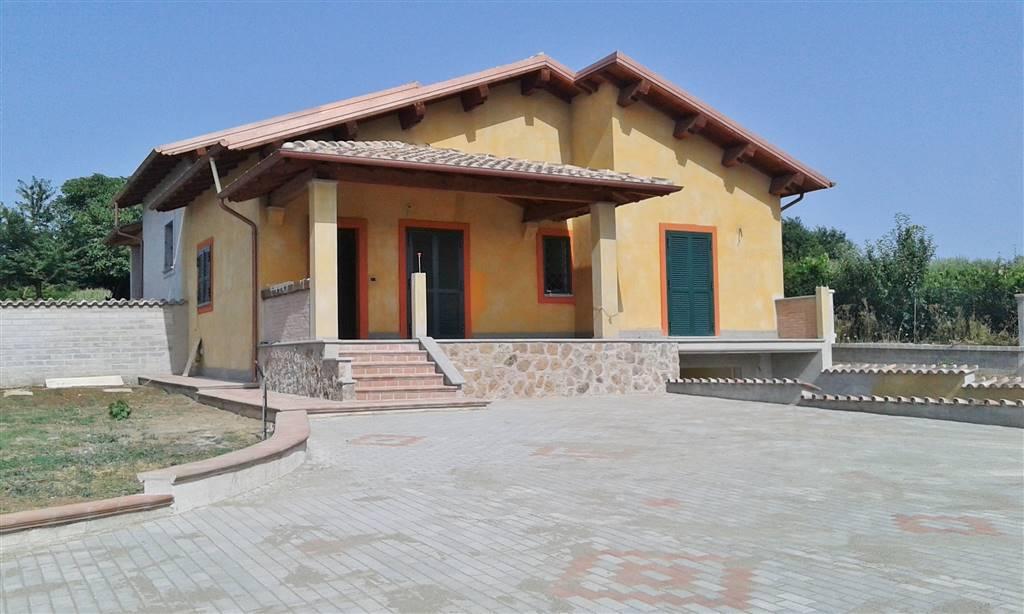 Bifamiliare in Via Del Carzolese, San Cesareo