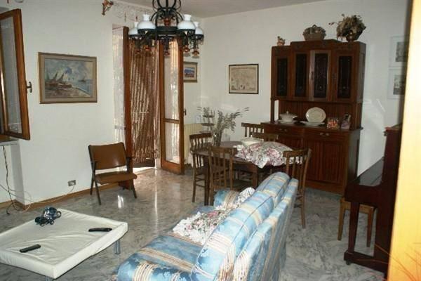 Appartamento in affitto a Fosdinovo, 5 locali, zona Zona: Giucano, prezzo € 700 | CambioCasa.it