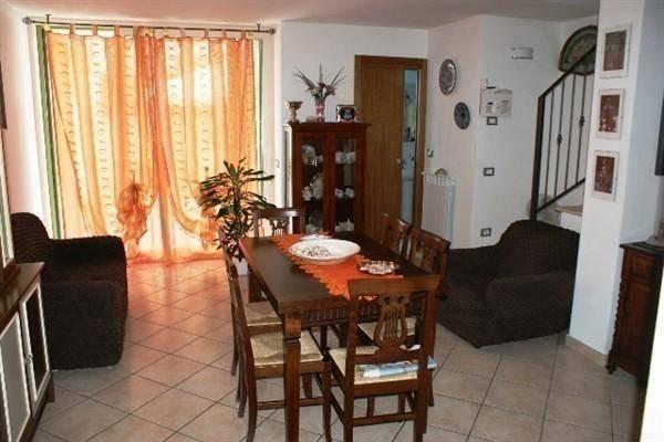 Appartamento in vendita a Fosdinovo, 3 locali, zona Zona: Caniparola, prezzo € 195.000   CambioCasa.it