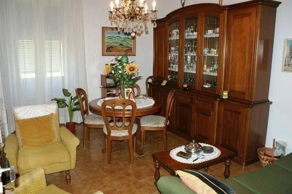 Appartamento in vendita a Lerici, 5 locali, zona Località: BARCOLA, prezzo € 180.000 | PortaleAgenzieImmobiliari.it