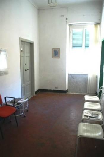 Ufficio / Studio in affitto a Sarzana, 2 locali, zona Località: CENTRO STORICO, prezzo € 240 | CambioCasa.it