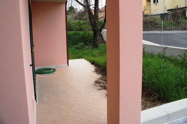 Appartamento in vendita a Santo Stefano di Magra, 4 locali, zona Zona: Ponzano Madonnetta, prezzo € 230.000   CambioCasa.it
