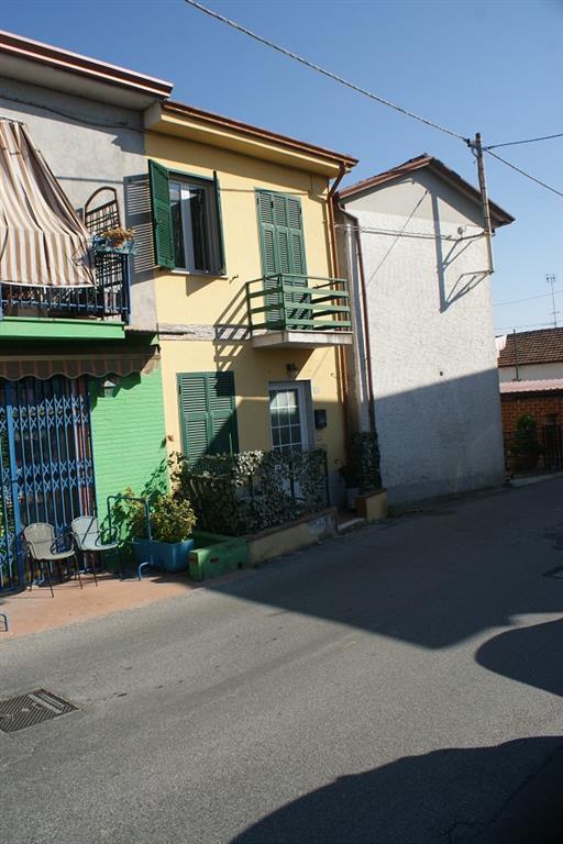 Appartamento in vendita a Castelnuovo Magra, 3 locali, zona Zona: Palvotrisia, prezzo € 145.000   CambioCasa.it