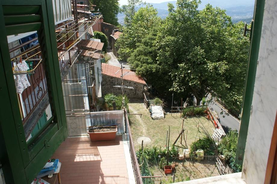 Appartamento in vendita a Fosdinovo, 3 locali, zona Località: CENTRO STORICO, prezzo € 42.000   CambioCasa.it