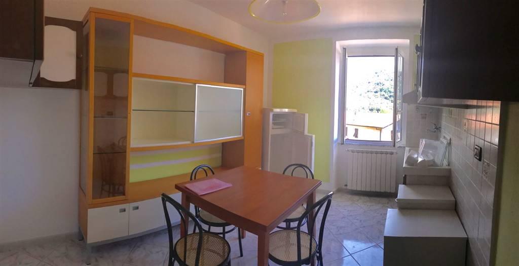 Appartamento in vendita a Follo, 2 locali, prezzo € 55.000 | CambioCasa.it