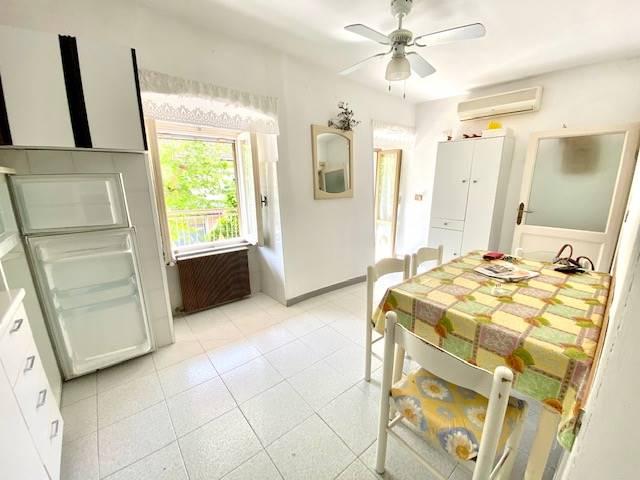 Cucina con uscita sul balcone