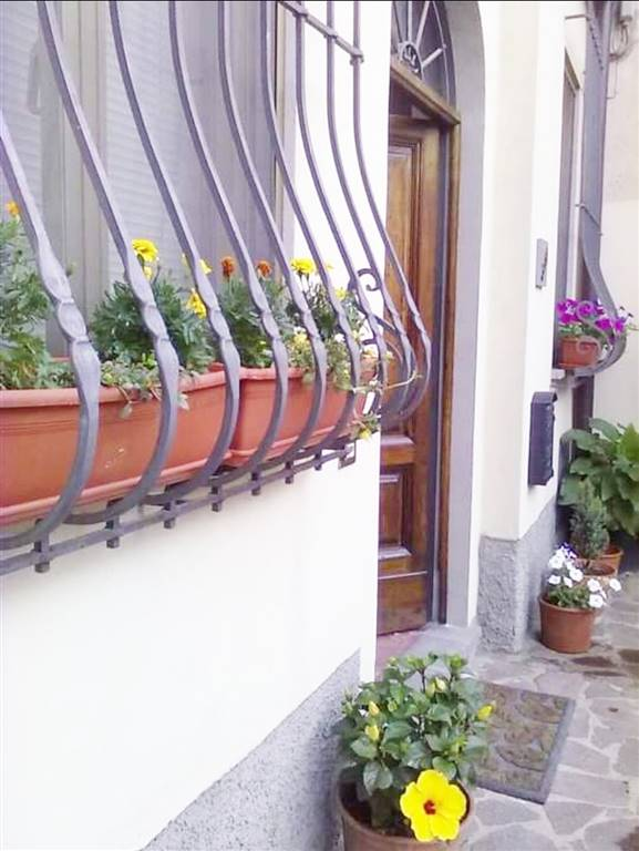 SAN DONNINO, CAMPI BISENZIO, Apartment for sale of 81 Sq. mt., Good condition, Heating Individual heating system, Energetic class: G, placed at