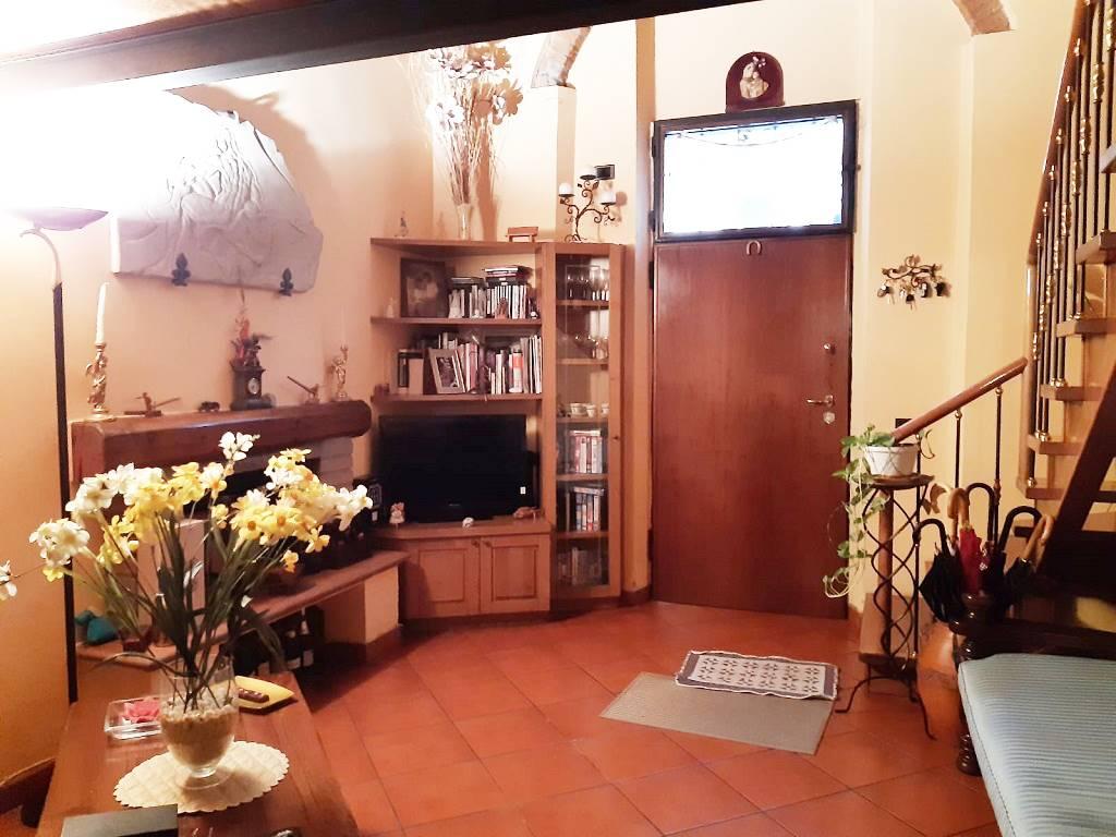QUERCETO, SESTO FIORENTINO, Terratetto in vendita di 106 Mq, Ottime condizioni, Riscaldamento Autonomo, Classe energetica: G, posto al piano Terra,