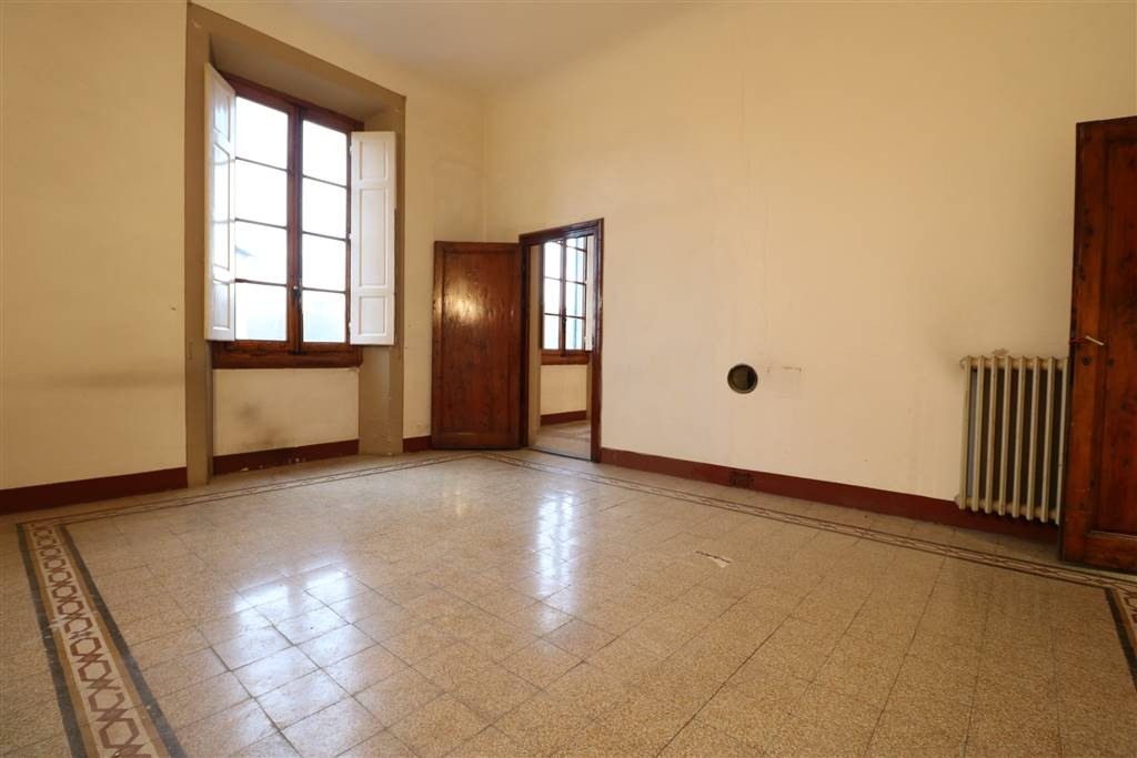 PORTA ROMANA, FIRENZE, Apartment for sale of 124 Sq. mt., Restored, Heating Individual heating system, Energetic class: G, placed at 2° on 3,