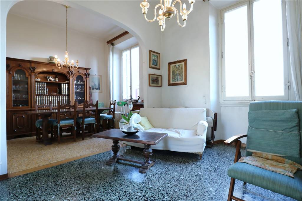 Appartamento in Piazza D'azeglio 00, Firenze