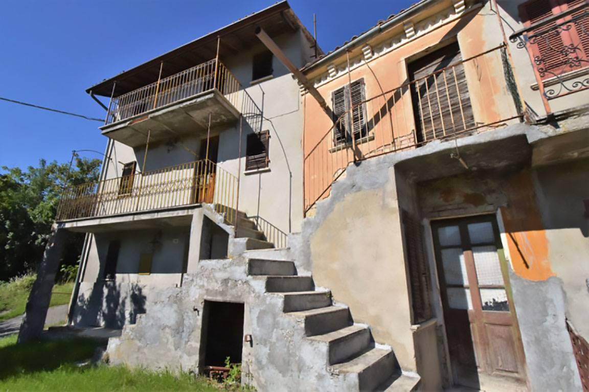 Villa in vendita a Zavattarello, 6 locali, prezzo € 18.000 | PortaleAgenzieImmobiliari.it