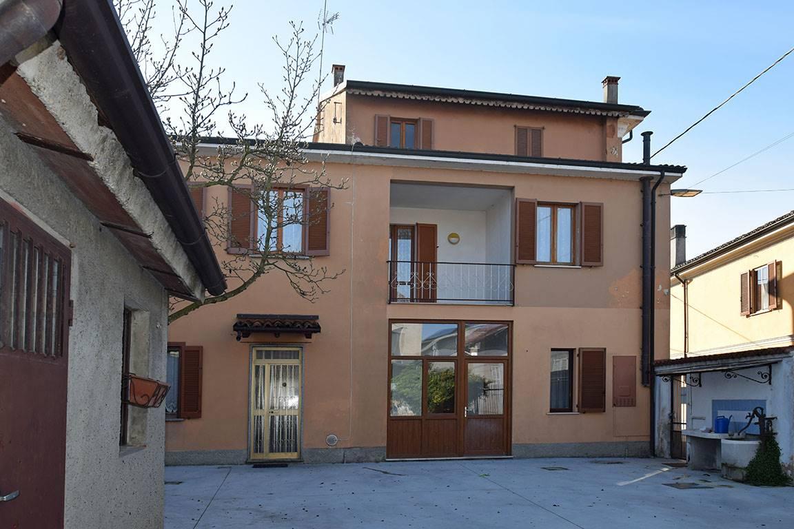 Villa Bifamiliare in vendita a Corteolona, 7 locali, prezzo € 99.000   PortaleAgenzieImmobiliari.it