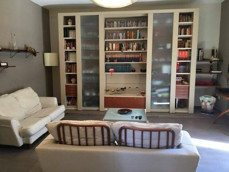Villa in vendita a Sessa Aurunca, 8 locali, prezzo € 180.000   CambioCasa.it