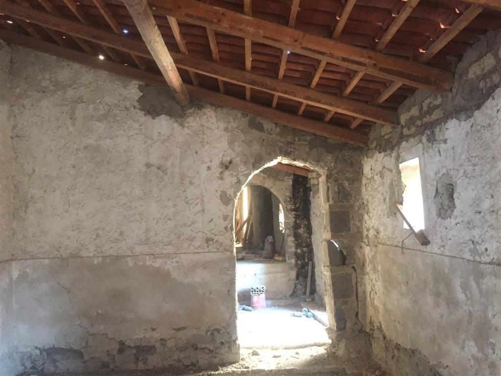 Appartamento in vendita a Sessa Aurunca, 6 locali, prezzo € 27.000 | CambioCasa.it