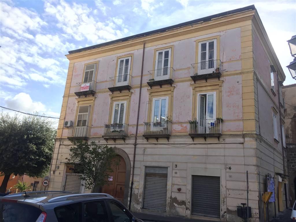 Appartamento in vendita a Sessa Aurunca, 5 locali, prezzo € 120.000   CambioCasa.it