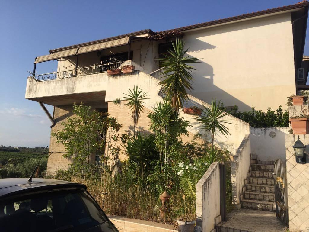 Appartamento in vendita a Sessa Aurunca, 5 locali, zona Località: CUPA, prezzo € 115.000   CambioCasa.it