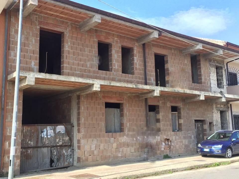 Appartamento in vendita a Carinola, 7 locali, zona Zona: Nocelleto, prezzo € 125.000 | CambioCasa.it