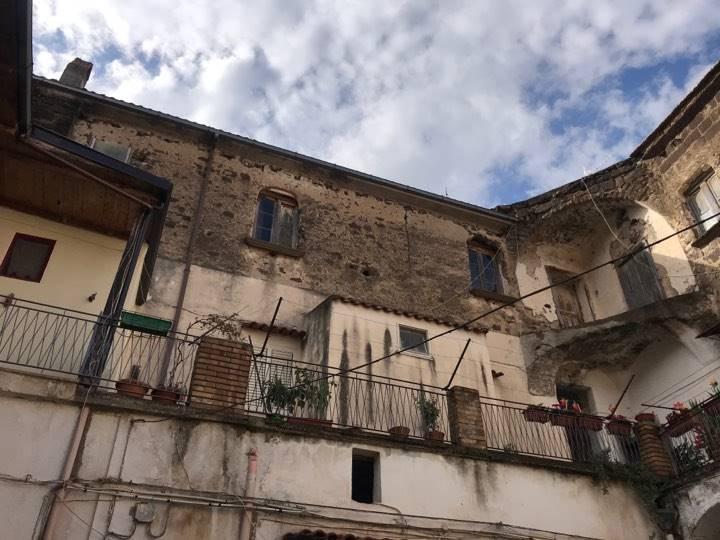 Appartamento in vendita a Sessa Aurunca, 6 locali, zona Località: CARANO, prezzo € 30.000 | CambioCasa.it