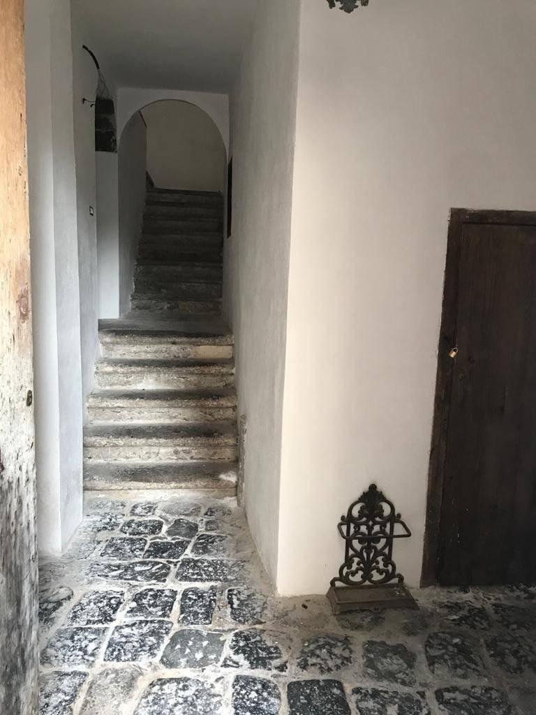 Appartamento in vendita a Sessa Aurunca, 4 locali, prezzo € 130.000 | CambioCasa.it