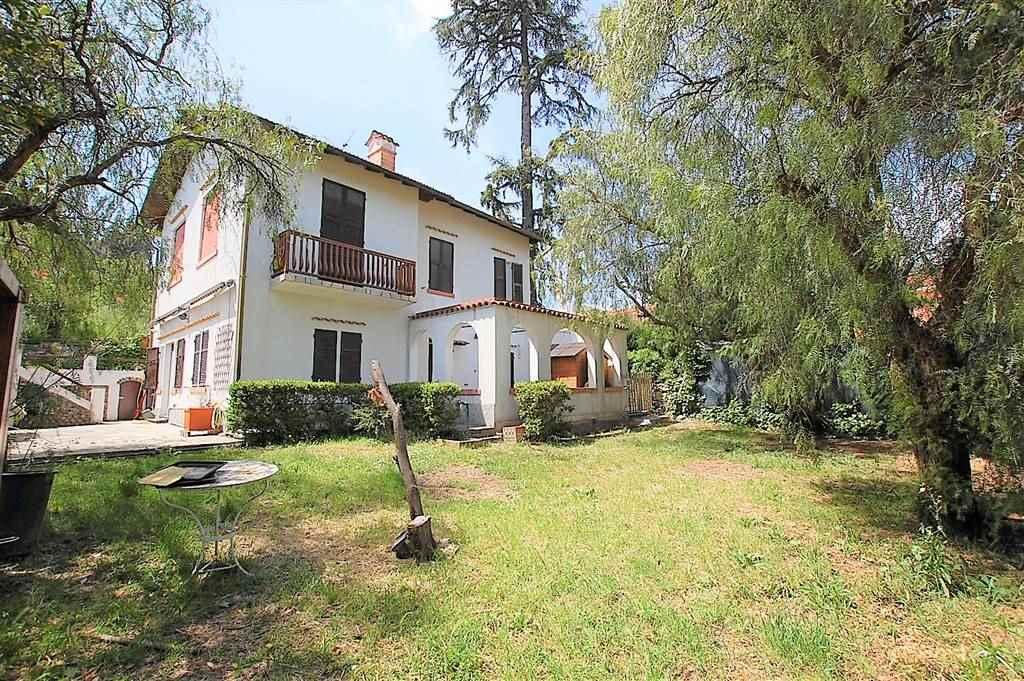 PIANI, IMPERIA, Villa zu verkaufen von 150 Qm, Gutem, Heizung Unabhaengig, Energie-klasse: G, Epi: 250,15 kwh/m2 jahr, am boden Angehoben,