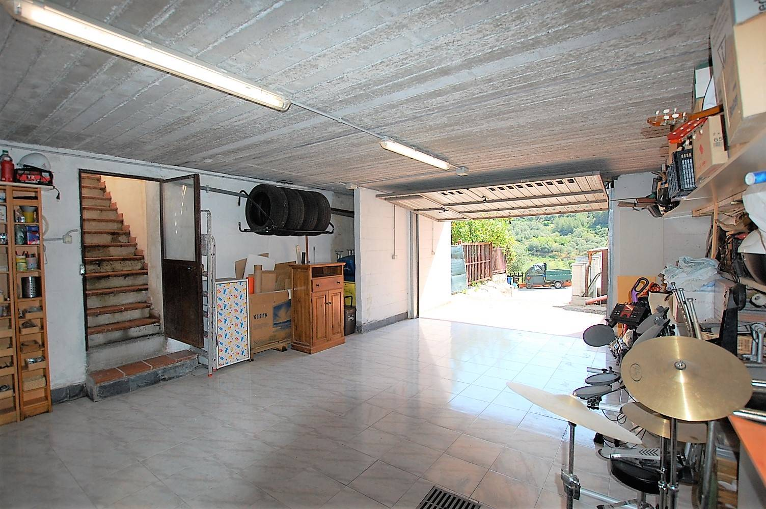 Garage con accesso all'alloggio