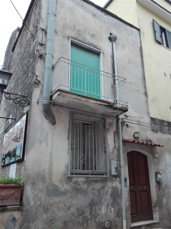 Casa semi indipendente, Mercato San Severino, da ristrutturare