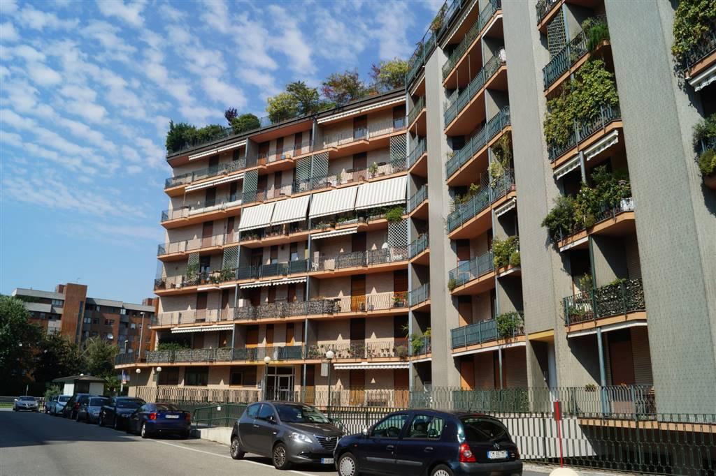 Trilocale in Viale Elvezia 14, San Biagio, Cazzaniga, Monza