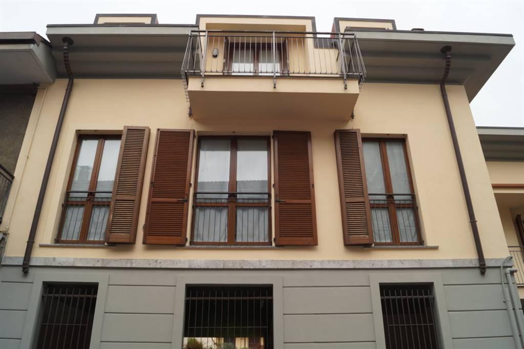 Bilocale in Via Fratelli Cairoli  32/a, Lissone