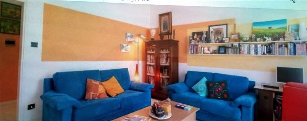Nei pressi di Via Veneto, appartamento di mq. 80 composto da ampio ingresso, cucina, salotto-pranzo, camera matrimoniale, ripostiglio, bagno con